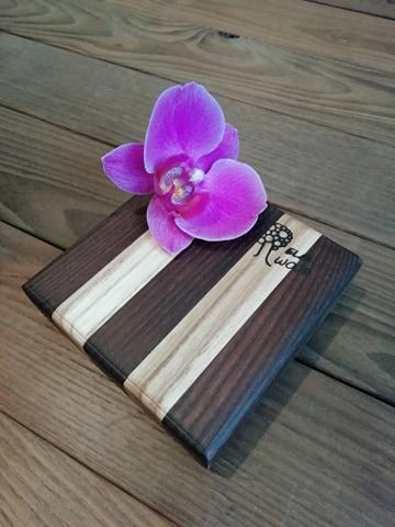 деревянная подставка под чашку